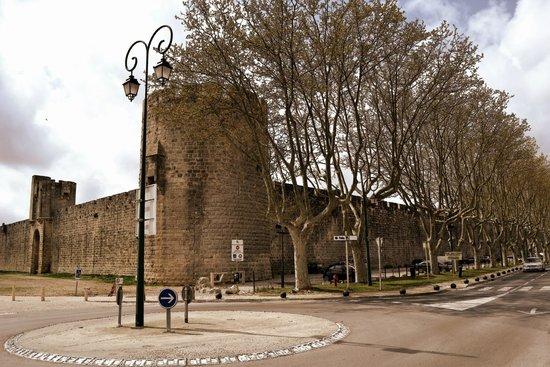 Tours et Remparts d'Aigues-Mortes : Uma linda cidade entre muros.