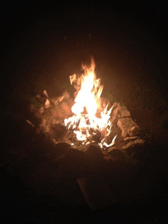 Kishauwau Country Cabins Near Starved Rock: Fire pit
