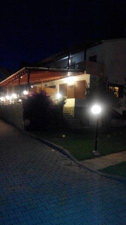 Tonia Apartments: Outside view