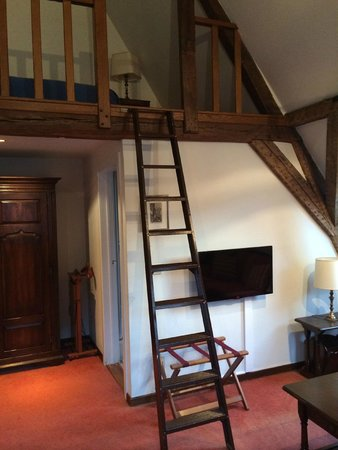 Hotel Residentie Elzenveld: Лестница на 2й этаж