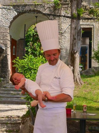 Momi: Chef and his daughter
