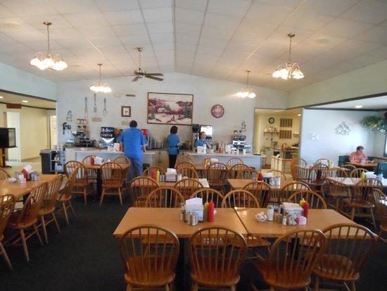 Gramma Sharon's Family Restaurant: Interior