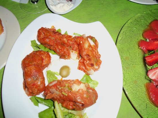 Marmita: Appetizer of tomatoes and cheese
