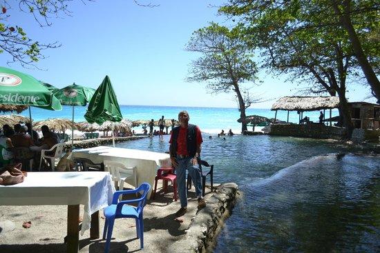 Ecotour Barahona Day Tours: balneario san rafael barahona rd