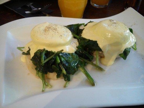 Greenwoods : Huevos con espinacas