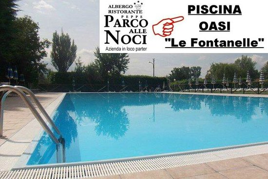 Rivodutri, Italy: piscina oasi delle fontanelle parter in loco