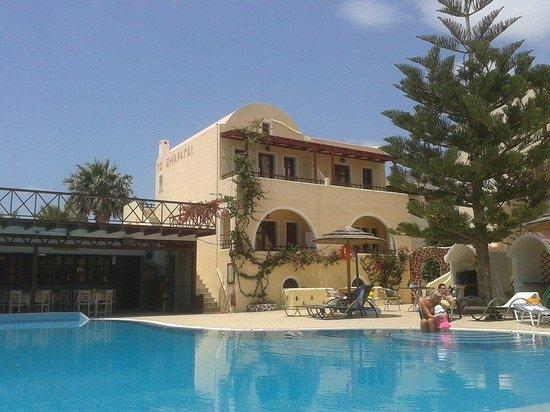 Smaragdi Hotel: piscina