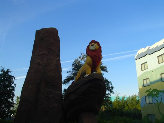 Disney's Art of Animation Resort: Mufasa in Lion King section