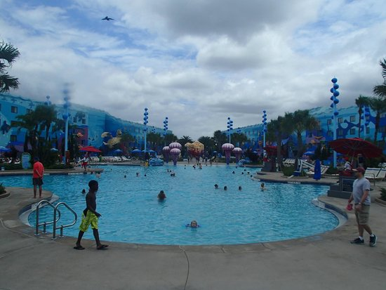 Disney's Art of Animation Resort: Big Blue Pool in Nemo section