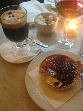 Cafe Boheme : Irish coffee (very strong) and Creme Brûlée