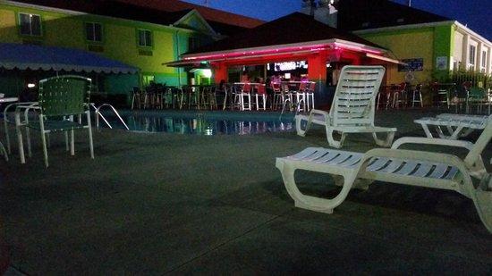Comfort Inn Sandusky: Cabana Bar/Pool