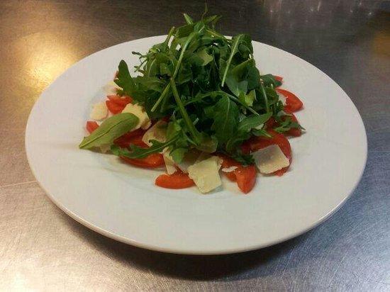 Sant Pere Kite: Parmesano and ruca salad
