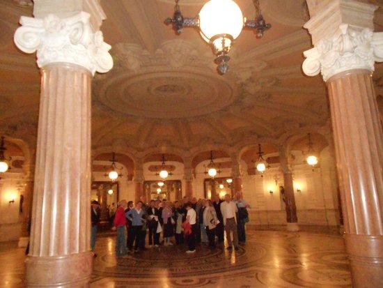 Opéra Garnier : IMPONENTES COLUMNAS DE MÁRMOL