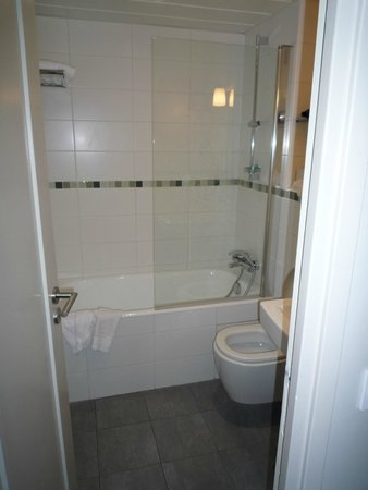 Le Relais Saint Charles : バスルーム