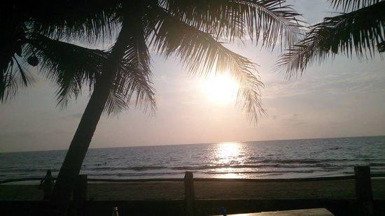 Bauang Beach: beautiful scenery