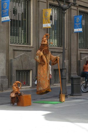 Calle Triana : cool performer in Triana