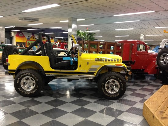 Tallahassee Antique Car Museum: Jeep