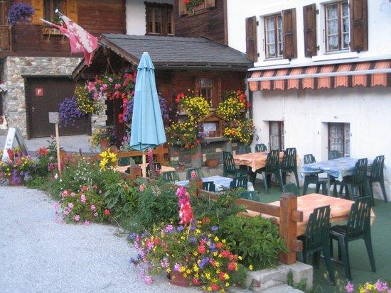 Hotel du Glacier: Lovely spot to dine