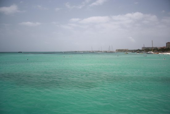 Divi Aruba Phoenix Beach Resort: Beautiful water