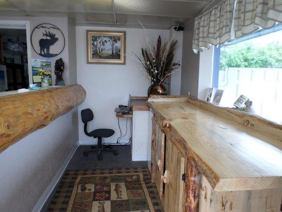 Sandman Motel: Our Beautiful Lobby Area