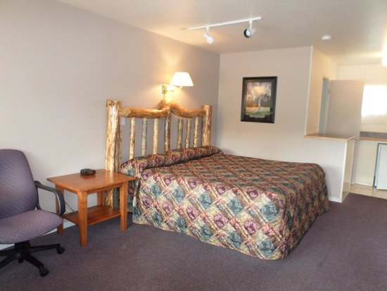 Sandman Motel: All our beds are Plush Top Simmons Beauty Rest. King and Queens