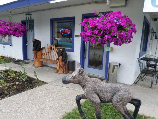 Sandman Motel: Out side Office Door