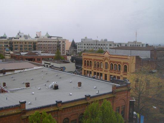 Best Western Plus Carlton Plaza Hotel : View from window