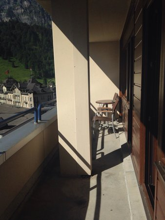 Ramada Hotel Regina Titlis: Extended balcony with apartment. Miss this place.