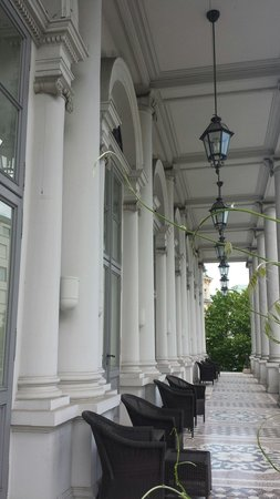 Palais Coburg Hotel Residenz: La loggia inferiore