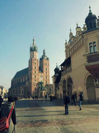 Basilique Sainte-Marie : mariacki church and the cloth hall