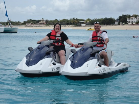 Boathouse Boat Rentals SXM: Fun jet skiing!