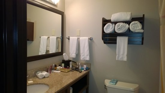 La Quinta Inn & Suites Butte: Bathroom