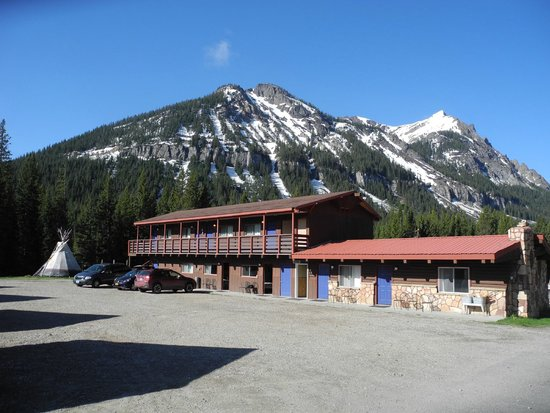 Cooke City High Country Motel: Vue sur le motel High Country à Cook City (Montana)