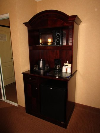 The Grand Hotel in Salem: Cabinet for fridge, microwave & coffee