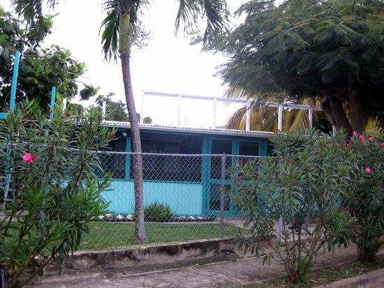 Casita Tropical: Casita from the road