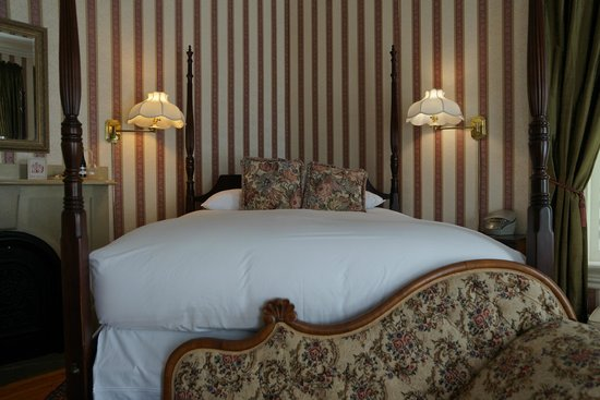 Queen Anne Inn: Comfy Bed