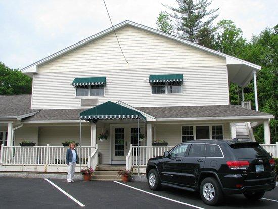 Golden Apple Inn: front door
