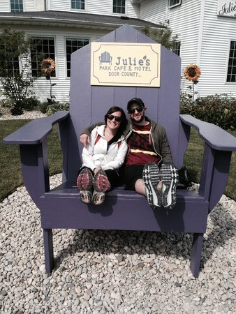 Julie's Park Cafe: In front of their iconic oversized chair.