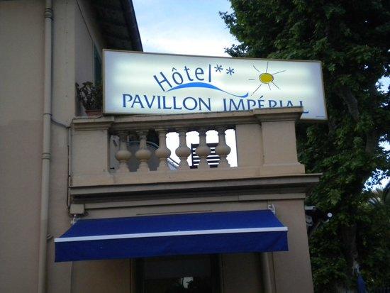 Hotel Pavillon Imperial: insegna dell'hotel
