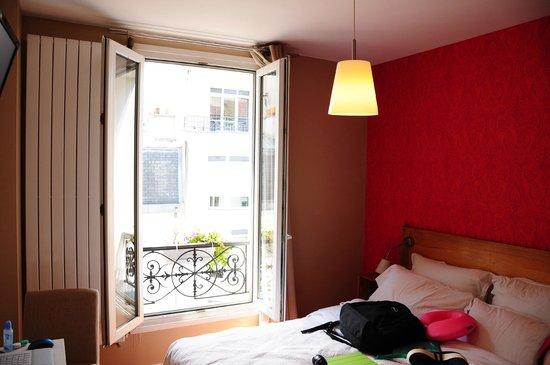 La Maison Montparnasse: Room