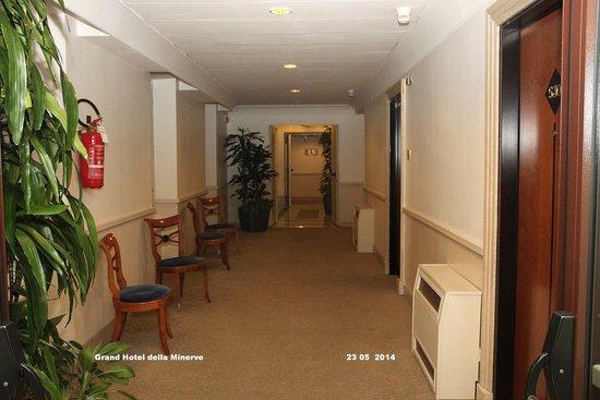 Grand Hotel de la Minerve: Pasillo