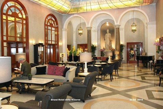 vista dalla terrazza - Picture of Grand Hotel de la Minerve, Rome ...