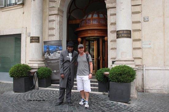 Grand Hotel de la Minerve: Fede con Portero