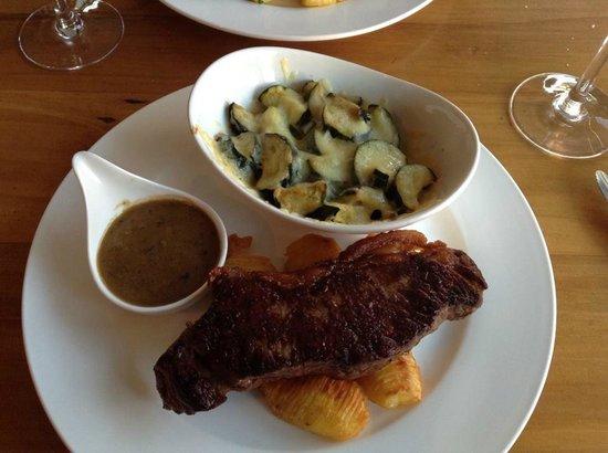 La Gourmandise : Steak and zucchini