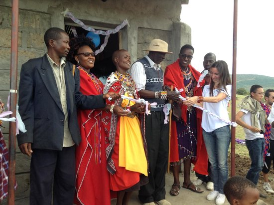 Oldarpoi Mara Camp: Opening a new school and library centre for the local community