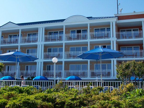 La Mer Beachfront  Inn: Great location!