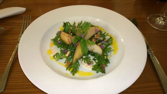 The Boathouse Bistro: Goats Cheese Salad