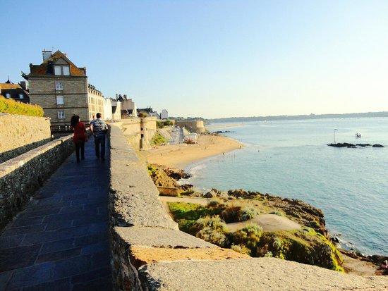 Fort National : Perto de Mont Sain Michel, esta cidade vale a visita.