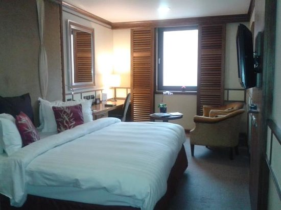 The New Ellington: Lovely Room