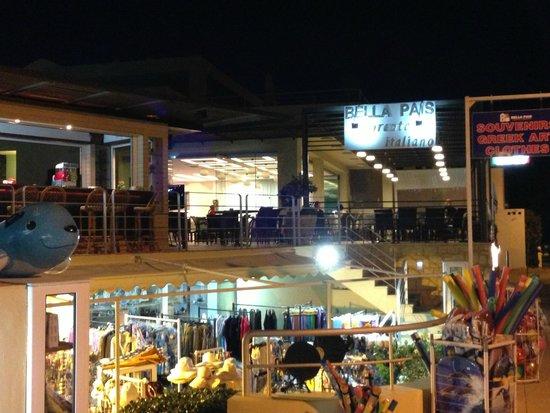 Hotel Bella Pais: Pool & Bar